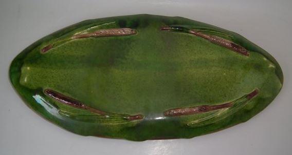 Underside of Holdcroft majolica dish. No makers majolica marks.
